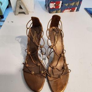 Gorgeous bronze/dark gold heels